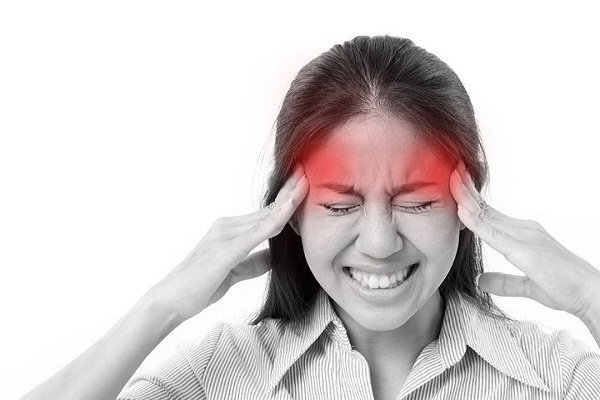 Massage bấm huyệt giúp trị đau đầu mà không cần dùng thuốc
